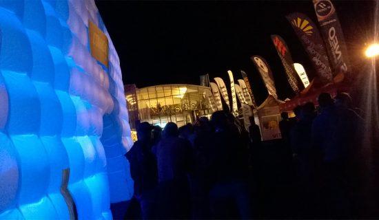 """LANCEMENT VTT """"COMMENCAL"""" STAND EXPO CUBE GONFLABLE ROC D AZUR 2017"""